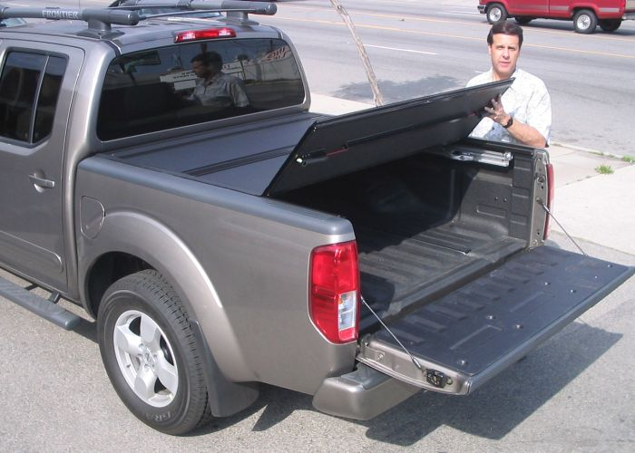 BAKFlip F1 Folding Tonneau Cover for 2005 2012 Nissan Frontier 6 Bed
